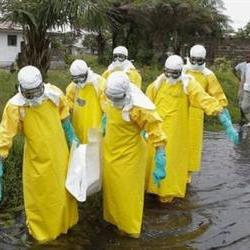 Ebola: Liberian health workers plan strike