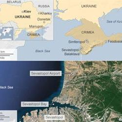 Russia keeps pressure on Ukraine with Crimea stand-off