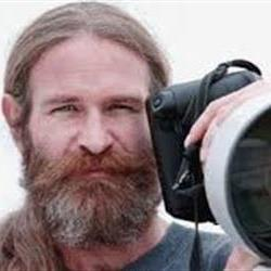 Respected sports photographer dies