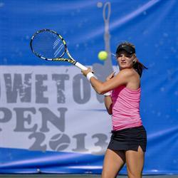 Chanel Simmonds through to the Soweto Open Final