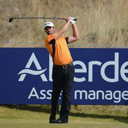 Parry leads at the clubhouse after the opening round of the Scottish Open