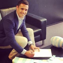 Dan Carter goes French