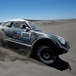 Peterhansel takes the lead on day two of the Dakar as De Villiers climbs to 6th