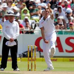 Bookies tip South Africa to win the first test