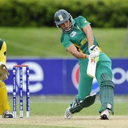 Corné Dry named FS Cricketer of the Year