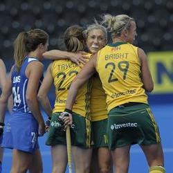 England win thriller against SA by one goal