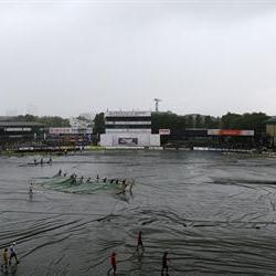 Rain suspends play in Colombo