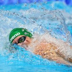 Brown shatters 800m freestyle record