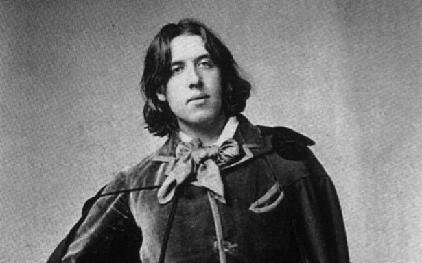 oscar wilde victorian or anti victorian Oscar wilde (1854-1900) shocked victorian england (1837-1901) with his scandalous behavior in his work, he expressed the contempt for the traditional moral and cultural values.