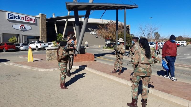 SANDF joins SAPS in Bloemfontein for patrols | News Article