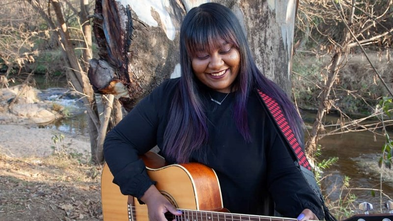 Soundcheck: Simone Govender releases 'Need to be yours'   News Article