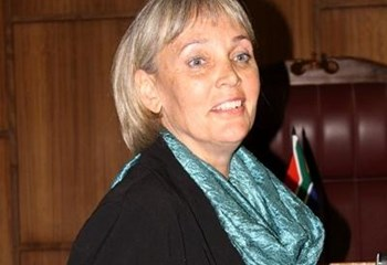 Deon Steenkamp se suster onder strawwe kruisondervraging geneem | News Article