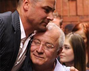 Pistorius-familie distansieer hulle van uitlatings | News Article
