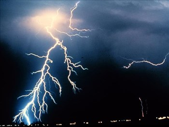 NW schoolboys struck by lightning | News Article