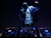 Saturday Express: Hobby corner - are you a DJ? How to get from your room to a stage. | Blog Post