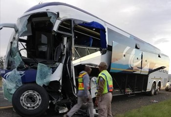Bus crashes into truck accident scene on N3 | OFM