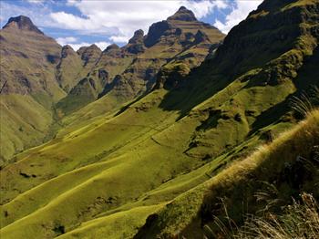 Bloemfontein local joins team to summit the Mafadi Peak | Blog Post
