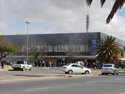 #BreakingNews: Fire breaks out in Standard Bank Building in Welkom | News Article