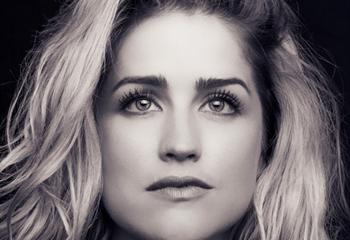 Caroline-Grace op OFM Nights  | News Article
