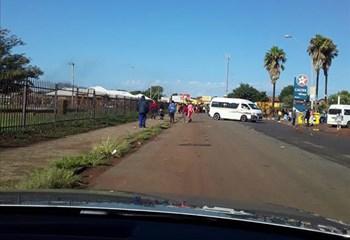 Klerksdorp roads blocked with rocks, burning tyres | News Article