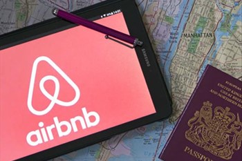 New tourism minister extends comment period on anti-Airbnb draft law | News Article