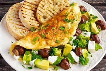 Your Weekend Breakfast Recipe - Avocado, feta and mushrooms omelette | Blog Post