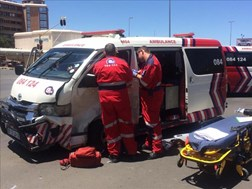 ER24 ambulance, vehicle collide in Bfn | News Article