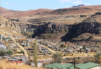 Learners expected back at school in Qwaqwa   News Article