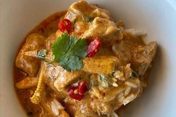 Ilse Cooks the Books: Thai Red Pork Curry   Blog Post