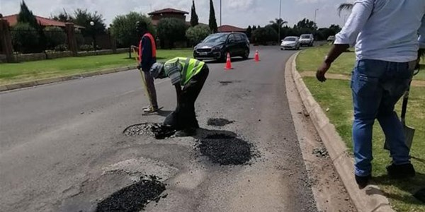 Local company patches Bfn's potholes | News Article