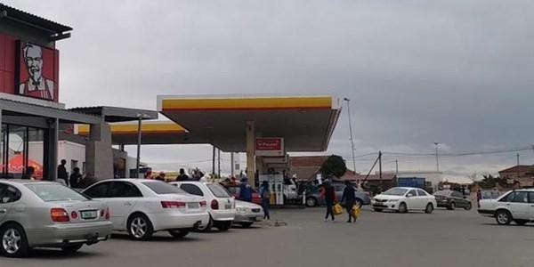 Bfn motorists fill up ahead of petrol hike | News Article