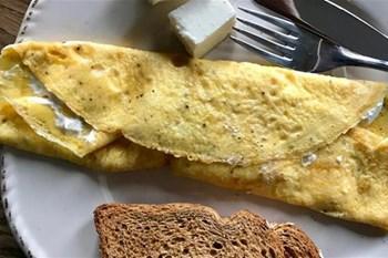 Your Weekend Breakfast Recipe - Egyptian Feta Cheese Omelet Roll | Blog Post