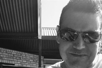 Kontreikuiers: Adriaan van den Berg oor Shifty Records en die Voëlvry-beweging    Blog Post