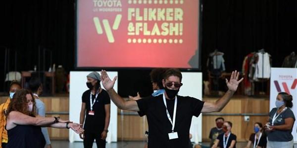 #OFMKunsteklop - Die Toyota US Woordfees se 'Flikker & Flash'-opwipvertonings  | News Article