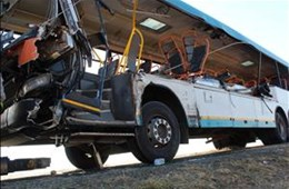 Pictures: Six women killed in horrific bus crash between Bfn and Thaba Nchu