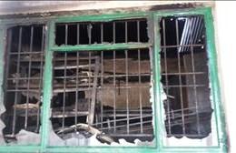 Pakhuis by Ons Kinderhuis in brand vernietig