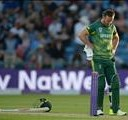 Knee injury rules De Villiers out of T20I series | News Article