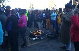 #KimberleyShutdown: Protests turn violent